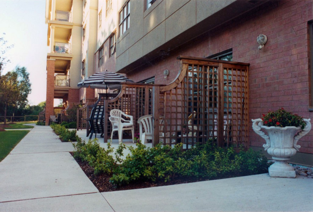 The Patios <br> Patio spaces and their privacy screens provide a sense of space and enclosure, but are fully permeable to max the socialization with those on adjacent patios or out in the gardens.